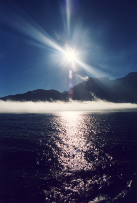 MD 144 New Zealand Mlford sound mist on water Michelle Dry72jpeghearts